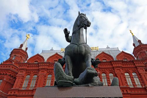 marshal_zhukov_moskva_manezhnaya_ploshchad2.jpg